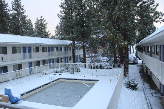 Motel 6 Big Bear Photo