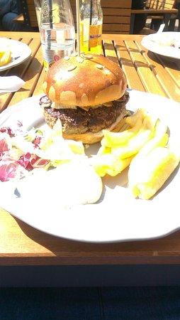 King Louie burger