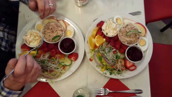 Cafe Ariete: Tuna salads, delicious!