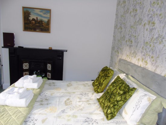 Tremont Bed & Breakfast: Double Room with Shower En-Suite