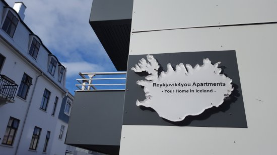 Reykjavik4you Apartments Hotel: Sign to look for