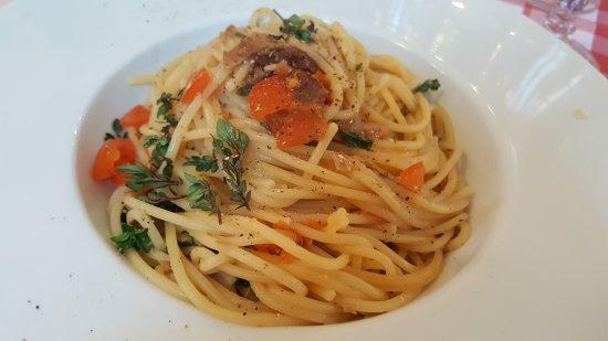 Locanda Grifo: Spaghetti al sugo di missoltino ed uva sultanina