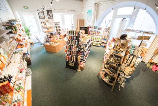 1aa78f03206 Hotel L Ermitage  Une boutique avec plus de 1000 produits bio ou naturels