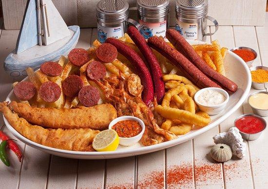 แอลเบอร์ตัน, แอฟริกาใต้: Collosal Feast - Hake, Prawns, Calamari, Chips, Russian, Vienna, Polony