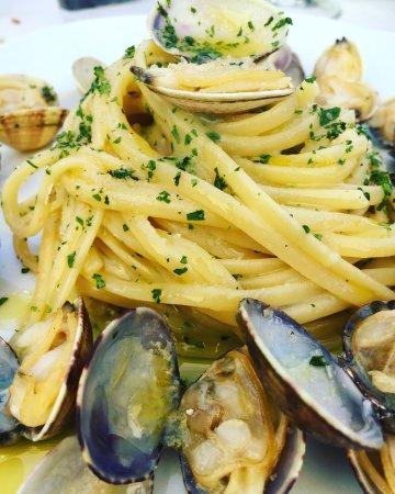 Caselle di Sommacampagna, Italia: Spaghetti alle vongole