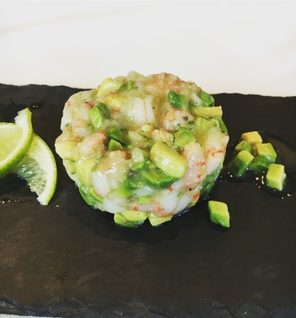 Caselle di Sommacampagna, Italia: Tartar di gambero rosso, avocado e lime