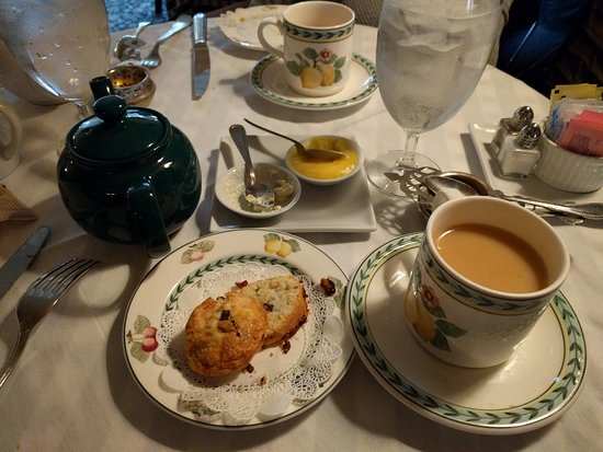 Wheaton, IL: Scones with Lemon Curd & Devonshire Cream