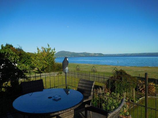 Rotorua District, Nieuw-Zeeland: Uitzicht op Lake Rotorua vanaf het balkon
