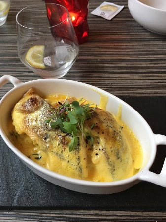 Chloe's Restaurant: Casolette des Copains – Fresh Catch of the Day Fillet on Flash Cooked Spinach, Creamy Mash and F