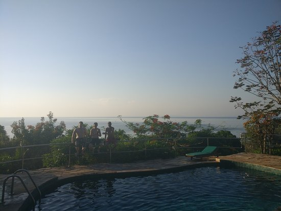 Haad Yao Over Bay Resort : The view from the pool
