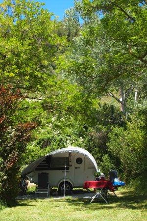 emplacement caravane au camping Rose de Provence à Riez