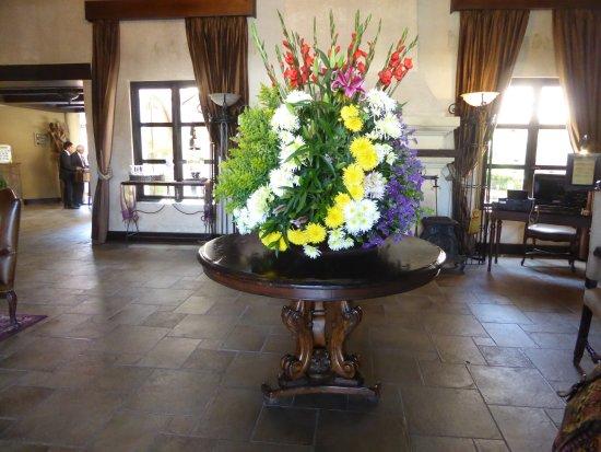 Camino Real Antigua: Entrance to the lobby