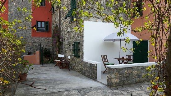 Ricco del Golfo di Spezia, Италия: Solarium entrata