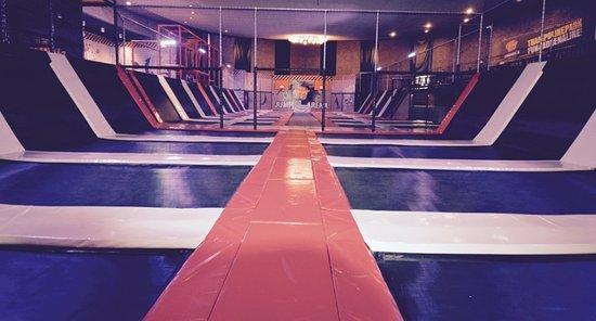 Ααλσμέερ, Ολλανδία: Jump XL Trampoline Park Aalsmeer