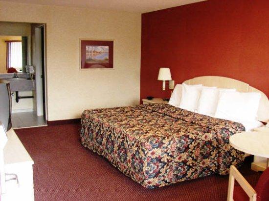 Journeys End Motel: King Bed