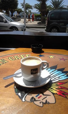American Indian Cafe: Watching the world go by