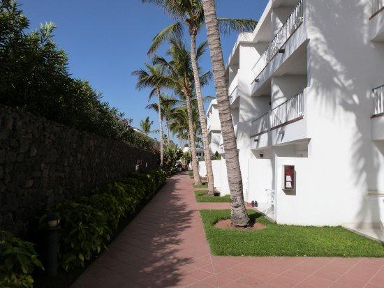 Apartamentos Fariones صورة
