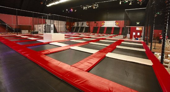 Trampoline Arena - Jump XL Zandvoort - Feel Like Flying