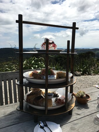 Wyspa Waiheke, Nowa Zelandia: Afternoon tea at the Batch Winery