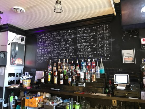 Lanesboro, MN: Charming tavern with lots of micro brews