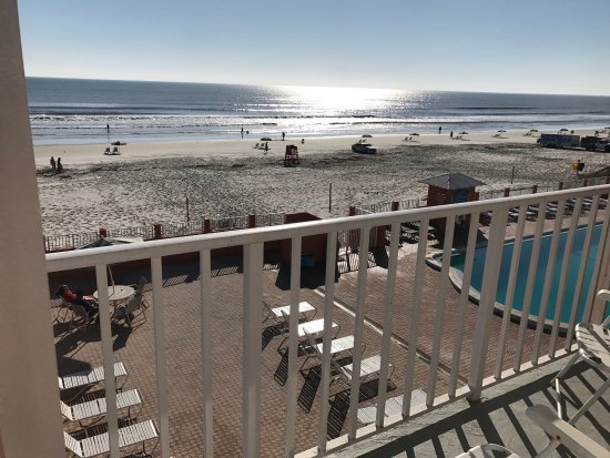 Super 8 Daytona Beach Oceanfront: photo0.jpg