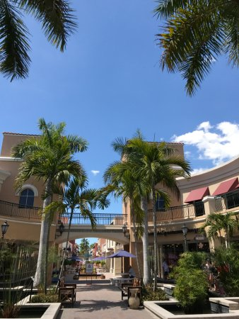 Miromar Outlets: outlets