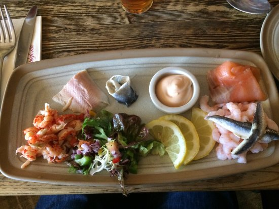 Ampleforth, UK: Good starters, disappointing mains.