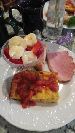 Carriage Way Bed & Breakfast: Breakfast before your busy day in St Augustine