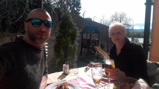 Vac, Hungary: en terasse
