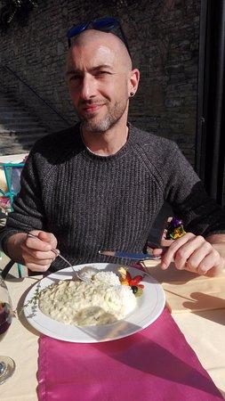 Vac, Hungary: filet de poulet sauce céleri pomme