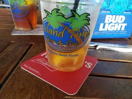 Island Time Bar and Grill: Great tea.