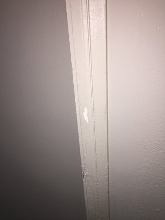The Ritz-Carlton, San Juan: Fix walls that are dinged up please! You are a 5 star hotel!