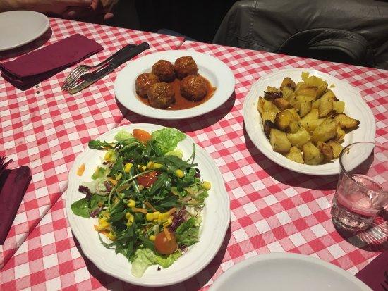 Ottima cucina romanesca foto di dar bottarolo roma for Cucina ebraico romanesca