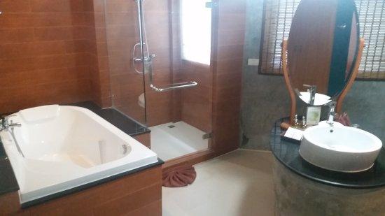 Aonang Phu Petra Resort, Krabi: 20170225_154908_large.jpg