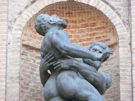 Monumento a Ercole e Anteo
