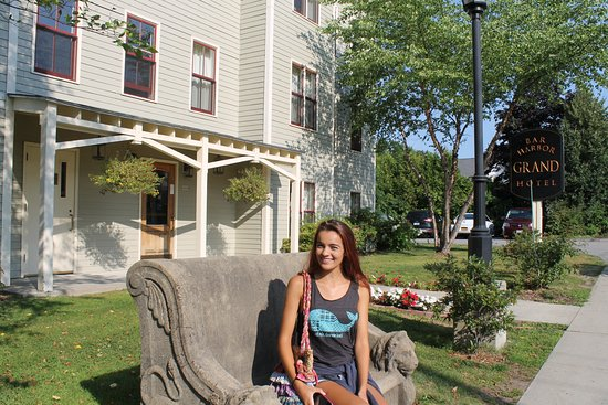 Bar Harbor Grand Hotel: Front Of Building