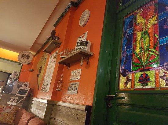 Broummana, Lebanon: Unicorn Coffee House