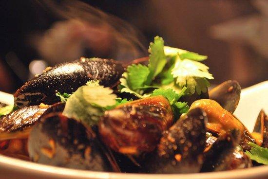Castle Rock, CO: PEI Mussels with Saffron Cream Sauce