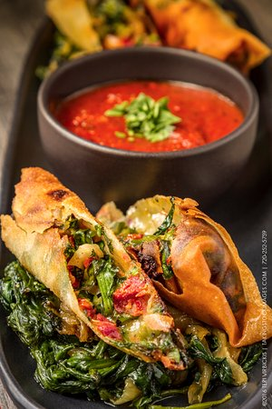 Castle Rock, CO: Crispy Tuscan Spring Rolls with Homemade Marinara