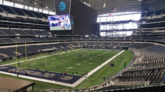 AT&T Stadium Interior - アーリ...