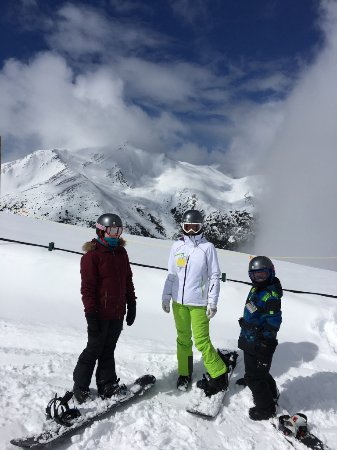 Marmot Basin Ski Area: Family ready to hit the first run of the day.