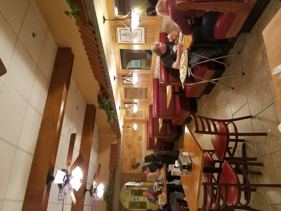 Lebanon, Nueva Jersey: The two seating areas.