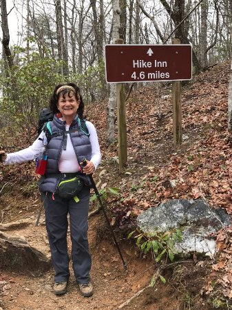 Len Foote Hike Inn: A fun few days volunteering for me and julie.  This place is the best all around.  It is like be
