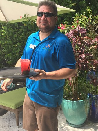 Parrot Key Hotel and Resort: Zach A Great Bartender & Server!