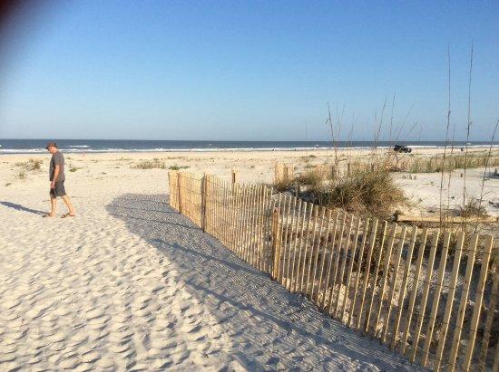 La Fiesta Ocean Inn & Suites: The beach private access