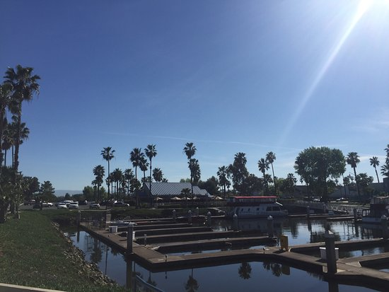 Discovery Bay, CA: Beautiful spring lunch at Broadwalk grill