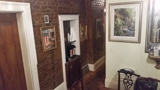 New Orleans Guest House: 20170327_194452_large.jpg