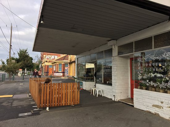 Clifton Hill, Australien: Mixed Business