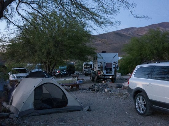 Panamint Springs Resort: Looking into our campsite from the drive