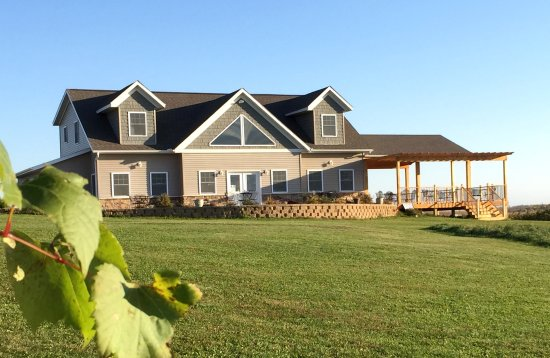 Viroqua, WI: Vernon Vineyards Tasting Room with Open Deck and Patio